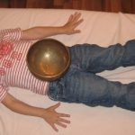 Kinder-Klangschalenmassage